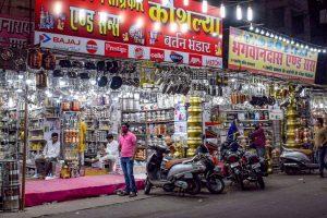 Jabalpur: Utensils market ahead of Dhanteras festival, in Jabalpur, Wednesday, Nov. 11, 2020. (PTI Photo)(PTI11-11-2020 000208B)
