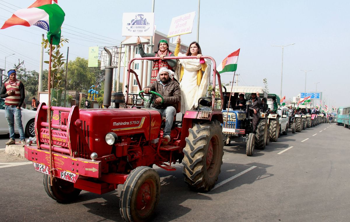 Farmers conduct tractor rally rehearsal ahead of Republic Day, in support of the farmers protests against the three farm laws, in Gurugram, Wednesday, January 20, 2021. Photo: PTI
