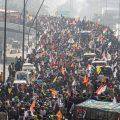 26 जनवरी को हुई ट्रैक्टर रैली के दौरान भलस्वा लैंडफिल के पास किसानों का समूह. (फोटो: पीटीआई)
