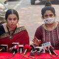 Mumbai: Akshata Naik and Adnya Naik, wife and daughter of late Anvay Naik, address the media after Republic TV Editor-in-Chief Arnab Goswami was arrested for allegedly abetting the suicide of the 53-year-old interior designer in 2018, in Mumbai, Wednesday, Nov. 4, 2020. (PTI Photo)(PTI04-11-2020 000122B)