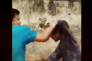 डासना के मंदिर में नाबालिग मुस्लिम लड़के की बर्बर पिटाई का वीडियो सोशल मीडिया पर वायरल हुआ था. (साभार: वीडियोग्रैब)