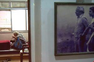 मुंबई में अपने घर में सागर सरहदी. (साभार: वीडियोग्रैब/राज्यसभा टीवी)