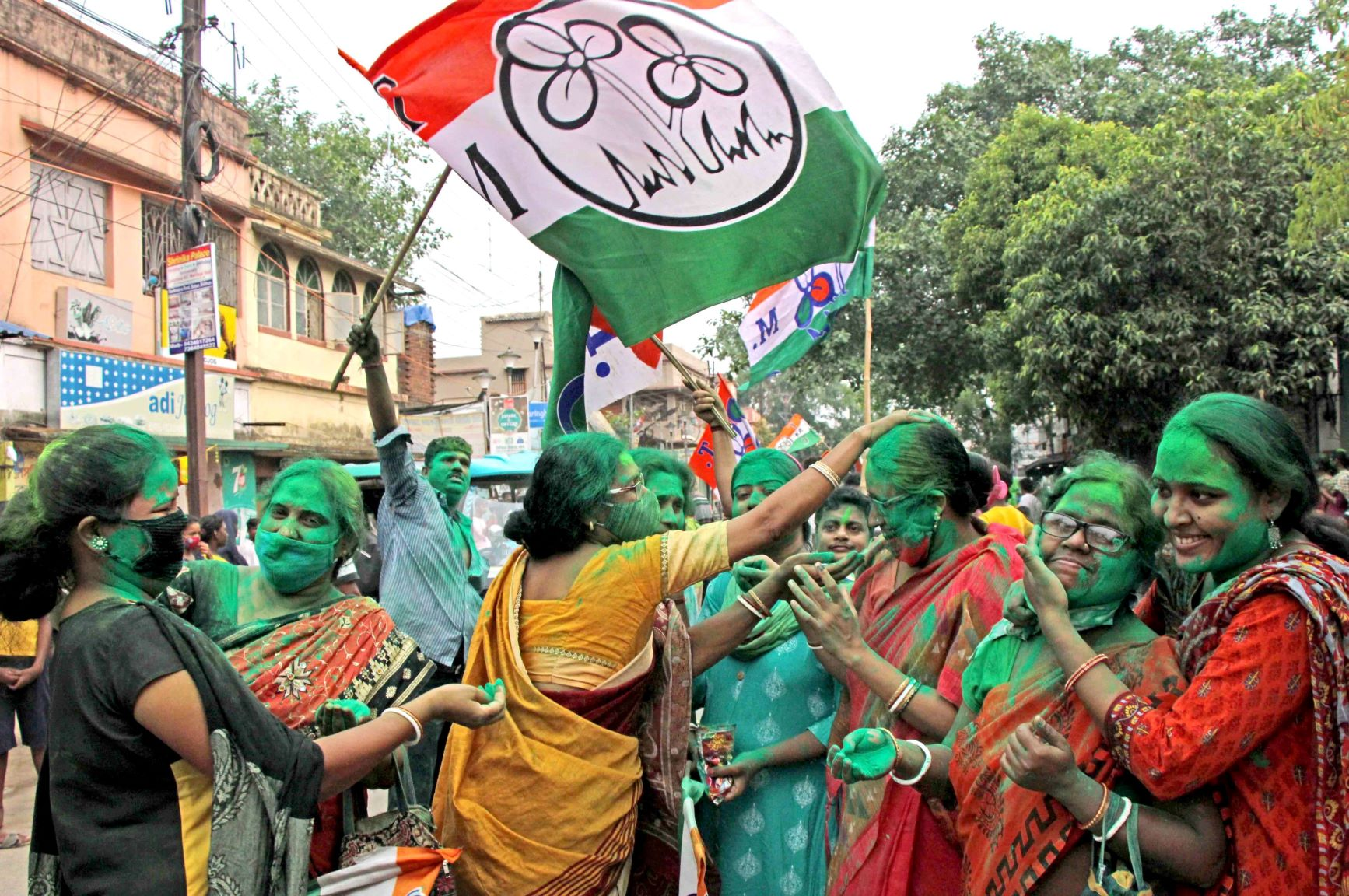 Birbhum: TMC supporters celebrate winning trend in the West Bengal state assembly elections at Bolpur in the Birbhum district of West Bengal, Sunday, May 2, 2021. (PTI Photo) (PTI05 02 2021 000180B)