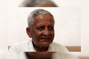 कवि अदम गोंडवी (22 अक्टूबर 1947 - 18 दिसंबर 2011). (फोटो साभार: ट्विटर)