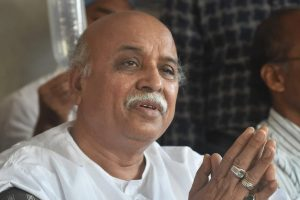 Ahmedabad: VHP international working president Pravin Togadia during a press conference at Chandramani Hospital in Ahmedabad on Tuesday. PTI Photo by Santosh Hirlekar(PTI1_16_2018_000028B)