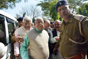 Ranchi: Former Bihar chief minister and RJD supremo Lalu Prasad arrives to appear in a special CBI court in Ranchi on Tuesday. PTI Photo (PTI1_23_2018_000069A)