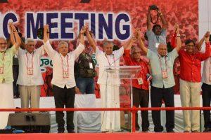 Hyderabad: CPI(M) general secretary Sitaram Yechury with Prakash Karat & chief Minister Kerala and others during 22nd party congress in Hyderabad on Sunday. PTI Photo (PTI4_22_2018_000189B)