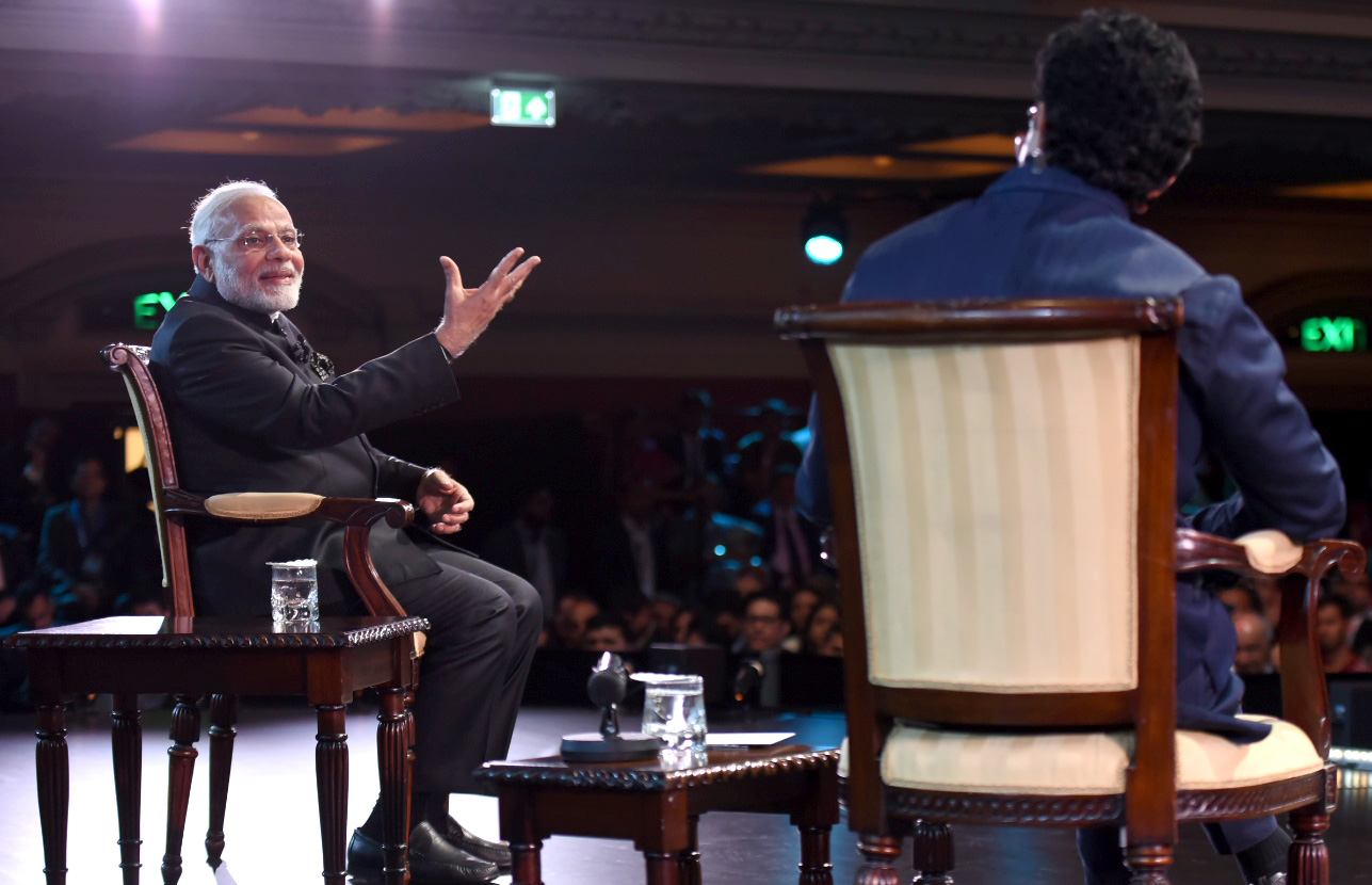 The Prime Minister, Shri Narendra Modi interacting with the Indian Community, at the 'Bharat Ki Baat, Sabke Saath' programme, at Westminster, London on April 18, 2018.