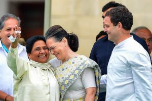 EDS PLS TAKE NOTE OF THIS PTI PICK OF THE DAY::::::::: Bengaluru: Congress leader Sonia Gandhi with Bahujan Samaj Party (BSP) leader Mayawati and Congress President Rahul Gandhi during the swearing-in ceremony of JD(S)-Congress coalition government in Bengaluru, on Wednesday. (PTI Photo/Shailendra Bhojak)(PTI5_23_2018_000183A)(PTI5_23_2018_000202B)