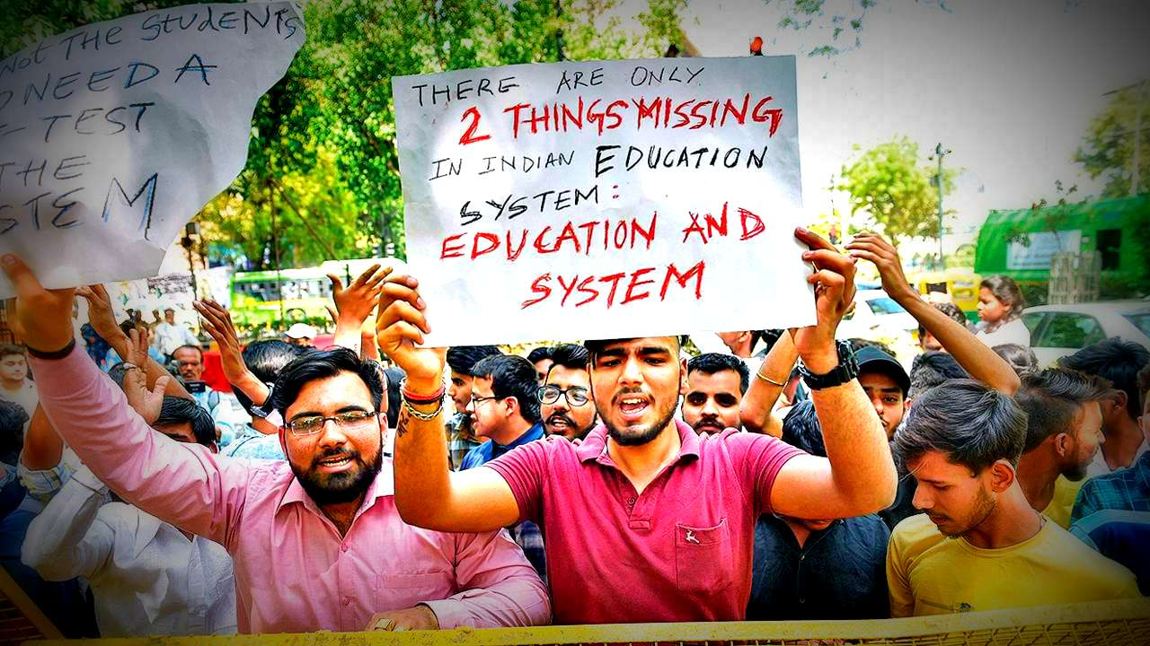 Students-protest-pti