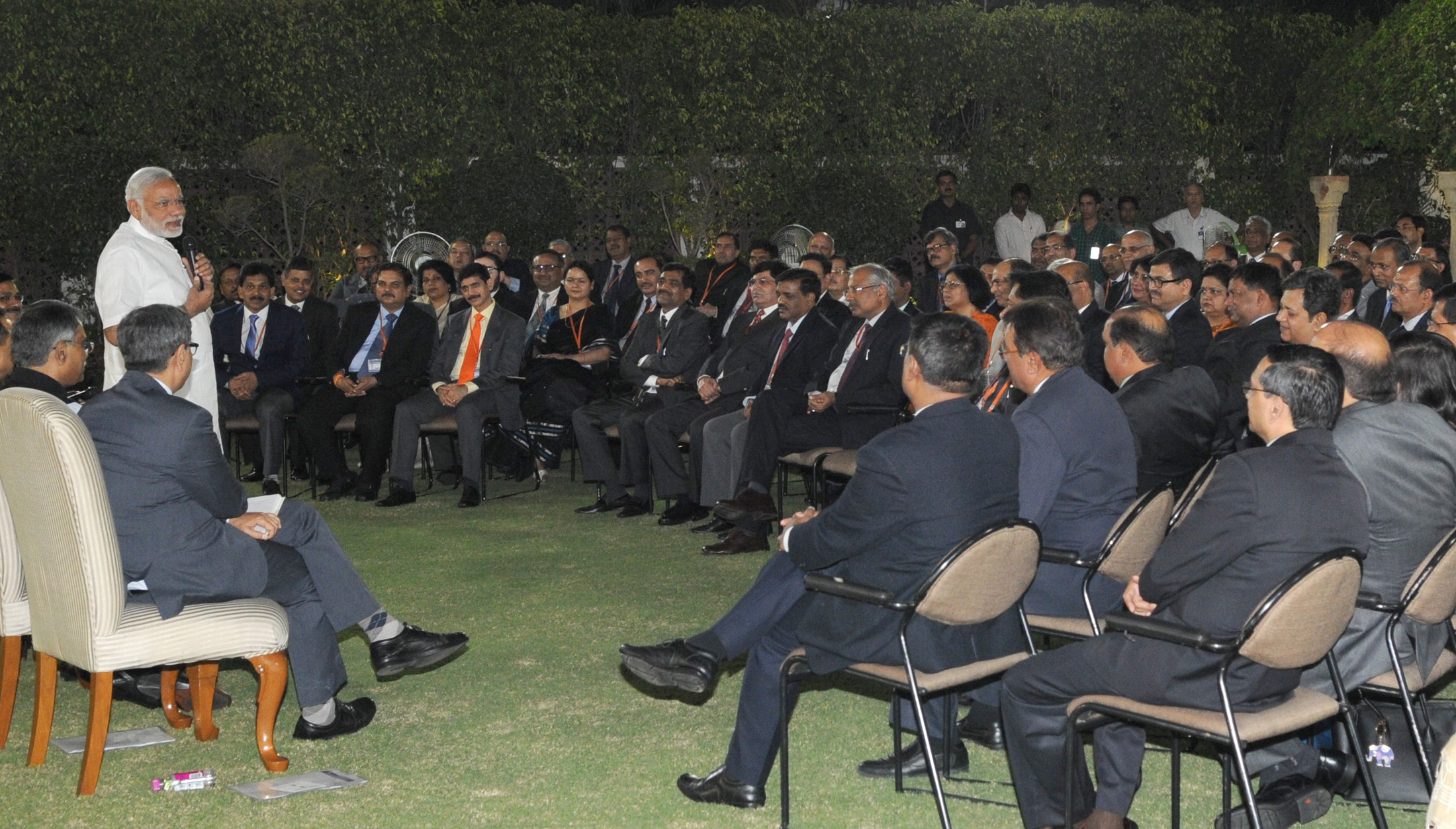 The Prime Minister, Shri Narendra Modi in an informal interaction with IAS officers participating in mid-career training programme, in New Delhi on October 12, 2015.