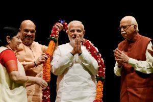 New Delhi: Prime Minister Narendra Modi being felicitated by Bharatiya Janata Party leaders L K Advani, Party President Amit Shah, Rajnath Singh and Sushma Swaraj during BJP Parliamentary Party meeting, in New Delhi on Tuesday, July 31, 2018. (PTI Photo/Atul Yadav)(PTI7_31_2018_000025B)