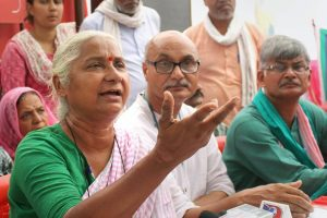 Bhopal: Social activist Medha Patkar addresses a press conference to draw attention towards conservation of river Narmada and farmers' issue during a Jan Adalat, in Bhopal on Monday, June 04, 2018. (PTI Photo) (PTI6_4_2018_000060B)
