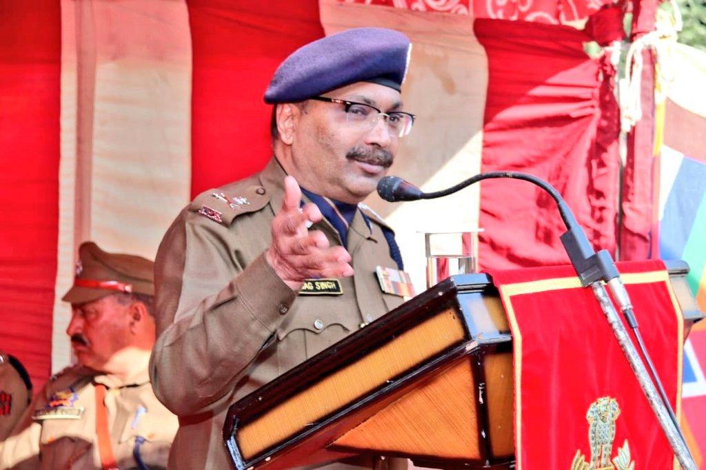 जम्मू कश्मीर पुलिस महानिदेशक दिलबाग सिंह (फोटो साभार: ट्विटर/जम्मू कश्मीर पुलिस)