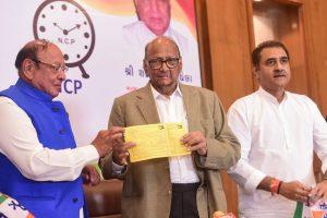 Ahmedabad: Former Gujarat chief minister Shankersinh Vaghela officially joins Sharad Pawar led Nationalist Congress Party (NCP), in Ahmedabad, Tuesday, Jan. 29, 2019. (PTI Photo/Santosh Hirlekar)(PTI1_29_2019_000125B)