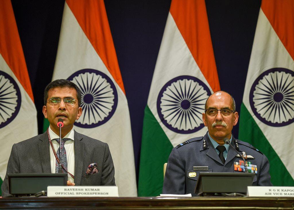 New Delhi: MEA spokesperson Raveesh Kumar and Air Vice Marshal RGK Kapoor at a media briefing in New Delhi, Wednesday, Feb 27, 2019. (PTI Photo/Atul Yadav) (PTI2_27_2019_000072B)
