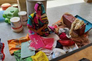 सीकर में दामिनी की मां. (सभी फोटो: माधव शर्मा)