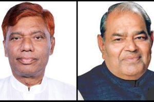 लोजपा सांसद राम चंद्र पासवान (बाएं) और दिल्ली भाजपा के पूर्व अध्यक्ष मांगे राम गर्ग. (फोटो साभार: ट्विटर)