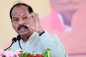 West Singhbhum: Jharkhand CM Raghubar Das addresses a gathering during the launch ceremony of 'Pradhanmantri Ujjawala Yojna' - (free distribution of cooking gas with oven to the villagers) in Chaibasa, West Singhbhum, Friday, Aug 23, 2019. (PTI Photo)(PTI8_23_2019_000192B)