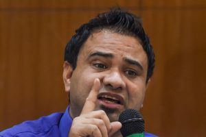 New Delhi: Paediatrician Kafeel Khan addresses a press conference in New Delhi, Saturday, Sept.  28, 2019.Two years after over 60 children died in less than a week at the BRD Medical College, Uttar Pradesh government inquiry has given a clean chit to paediatrician Khan who was arrested after the tragedy.(PTI Photo/ Shahbaz Khan)(PTI9_28_2019_000123B)