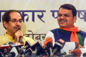 Mumbai: Maharashtra Chief Minister Devendra Fadnavis with Shiv Sena Chief Uddhav Thackeray announces Maha Yuti (Grand alliance), in Mumbai, Friday, Oct. 4, 2019. (PTI Photo) (PTI10_4_2019_000318B)
