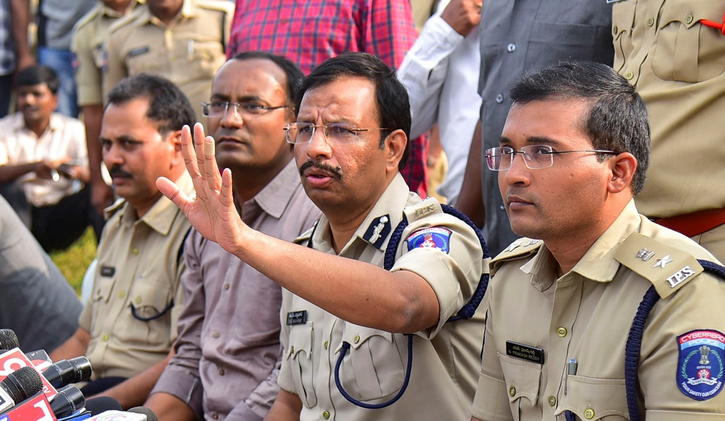 """Hyderabad: Cyberabad Police Commissioner VC Sajjanar, who carried out the """"encounter"""" of the four accused in the Hyderabad veterinarian rape and murder case, addresses the media, in Hyderabad, Friday, Dec. 6, 2019. (PTI Photo) (PTI12_6_2019_000238B)"""
