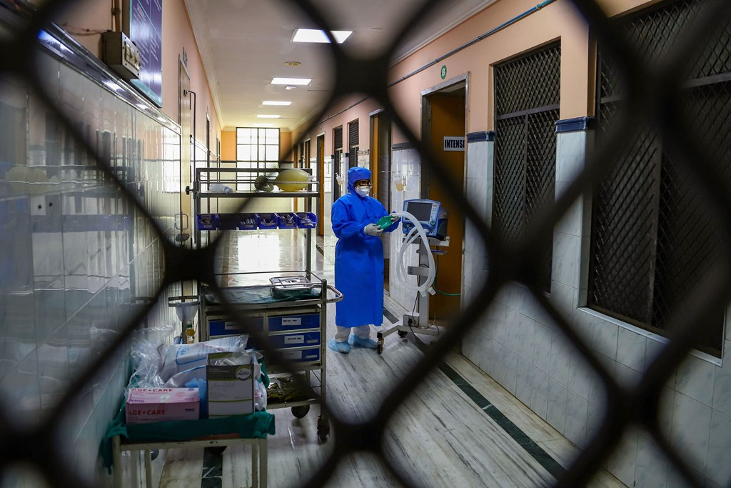 Chennai: Hospital staff is seen outside the Special Isolation Ward set up to provide treatment to any suspected case of the coronavirus (CoV) at the Rajiv Gandhi Government General Hospital, in Chennai, Tuesday, Jan. 28, 2020. (PTI Photo)(PTI1_28_2020_000138B)