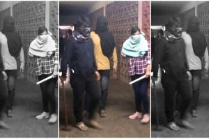 **EDS: TWITTER IMAGE RELEASED BY @JNUSUofficial , JAN. 5, 2020** New Delhi: Masked miscreants armed with sticks roaming around campus, at JNU, New Delhi, Sunday. (PTI Photo) (PTI1_5_2020_000172B)