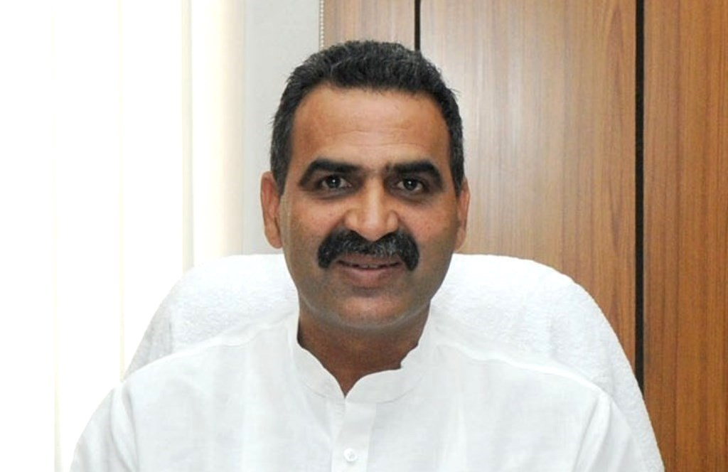 Dr. Sanjeev Kumar Balyan taking charge as the Minister of State for Agriculture, in New Delhi on May 28, 2014.