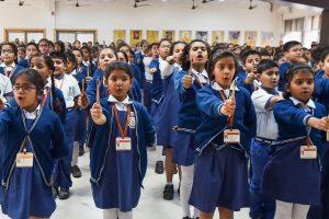 Kolkata: Mahadevi Birla World Academy students take pledge for environment, sustainability and recycling during a campaign in Kolkata, Thursday, Jan. 16, 2020. Around 2000  students from various schools of Kolkata participated in the event. (PTI Photo/Swapan Mahapatra)(PTI1_16_2020_000009B)