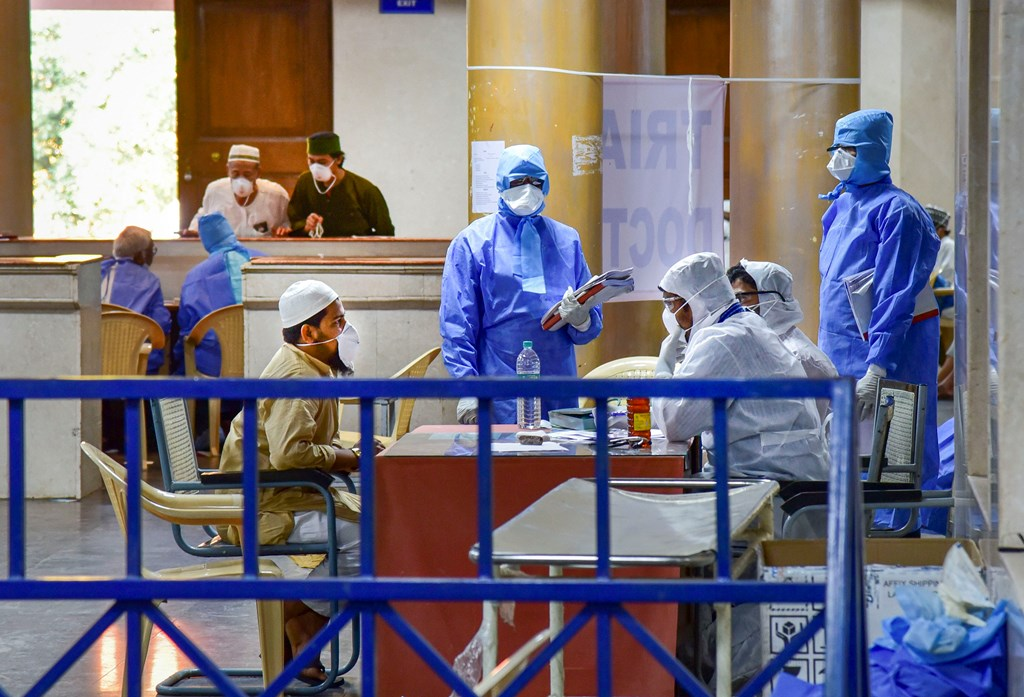 Hyderabad: Medics interact with an Indonesian tourist at COVID-19 helpdesk, in the wake of deadly coronavirus, at Hyderabad Gandhi Hospital, Monday, March 16, 2020. (PTI Photo)(PTI16-03-2020_000148B)