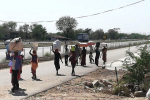 फतेहगढ़ में घुमंतु समूह. (फोटो: माधव शर्मा/द वायर)