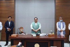 भाजपा अध्यक्ष जेपी नड्डा, नेडा संयोजक हिमंता बिस्वा शर्मा (दाएं) के साथ कोनराड संगमा (बाएं से दूसरे) एनपीपी का प्रतिनिधिमंडल. (फोटो साभार: ट्विटर/@himantabiswa)