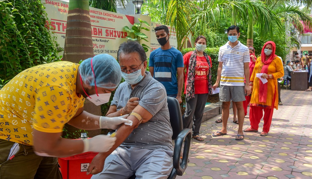 New Delhi: A health worker collects a blood sample from a man for COVID-19 antibody test, during Unlock 4, in New Delhi, Saturday, Sept. 5, 2020. (PTI Photo/Kamal Kishore) (PTI05-09-2020 000082B)
