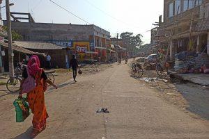 खाली पड़ा कुनौली बाजार. (सभी फोटो: मनोज सिंह)