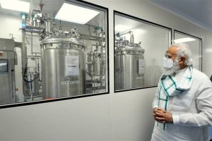 Pune: Prime Minister Narendra Modi at Serum Institute of India, during his 3 city visit to review COVID-19 vaccine development work, in Pune, Saturday, Nov. 28, 2020. (PIB/PTI Photo)(PTI28-11-2020 000207B)