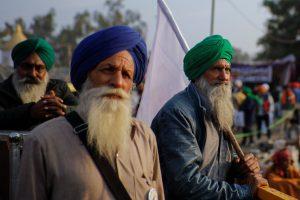 नई दिल्ली के सिंघू बॉर्डर पर नए कृषि कानूनों के खिलाफ किसानों का विरोध प्रदर्शन (फोटो: पीटीआई)
