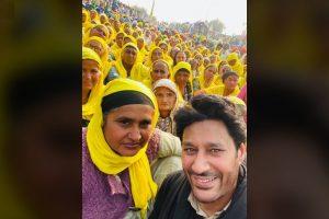 दिल्ली के टिकरी बॉर्डर पर किसानों के आंदोलन में हरभजन मान शामिल हुए थे. (फोटो साभार: फेसबुक)