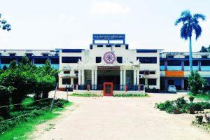 अयोध्या स्थित केएस साकेत डिग्री कॉलेज. (फोटो साभार: फेसबुक)
