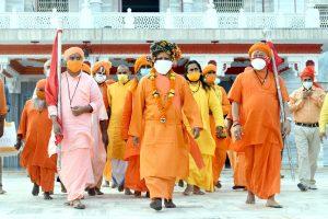 योगी आदित्यनाथ (फोटो साभार: ट्विटर//@myogiadityanath)