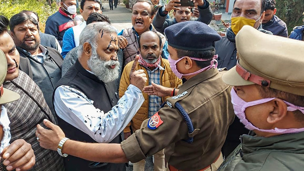 **EDS: TWITTER IMAGE POSTED BY@AamAadmiParty ON MONDAY, JAN. 11, 2021**Rae Bareli: Aam Aadmi Party leader Somnath Bharti faced an ink attack in Rae Bareli where he had gone to inspect government schools. (PTI Photo)(PTI01 11 2021 000105B)