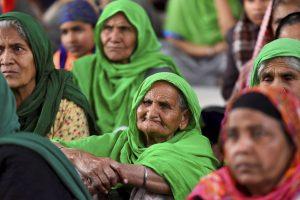 New Delhi: Women at Singhu border during farmers' ongoing protest against farm reform laws, in New Delhi, Monday, Feb. 1, 2021. (PTI Photo/Kamal Singh)(PTI02_01_2021_000195B)