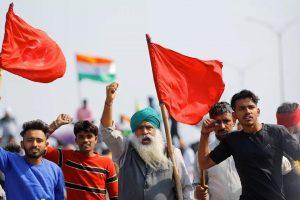 दिल्ली की सीमाओं पर कृषि कानूनों विरोध में किसानों के प्रदर्शन का चार महीने हो गए हैं. (फोटो: रॉयटर्स)