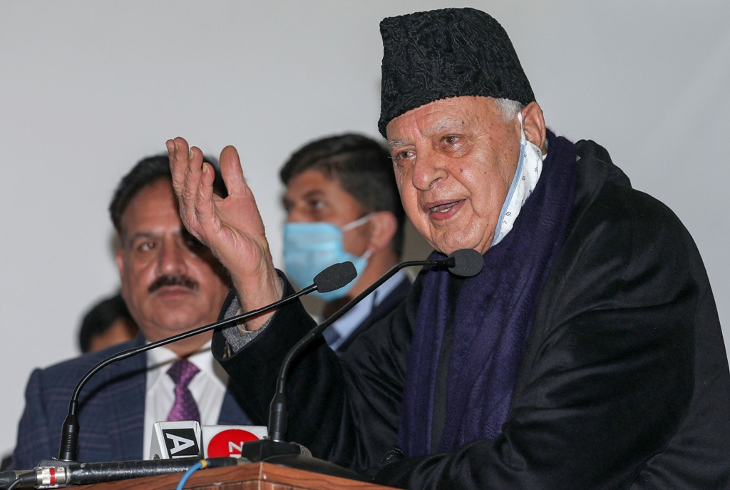 Jammu: National Conference (NC) President Farooq Abdullah speaks during the release of Shakhs Shakhsiyat aur Khidmaat, a book written by Masud Ahmed Choudhary, in Jammu, Sunday, Jan. 17, 2021. (PTI Photo)(PTI01 17 2021 000101B)