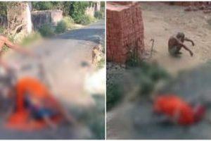 उत्तर प्रदेश के जौनपुर में सामाजिक बहिष्कार के बाद बुजुर्ग पत्नी के अंतिम संस्कार के लिए उनका शव साइकिल से ले जा रहे थे, जो रास्ते में गिर गया. (फोटो साभार: फेसबुक)