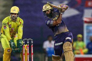 2020 के आईपीएल टूर्नामेंट के दौरान सीएसके और केकेआर के खिलाड़ी. (फोटो: पीटीआई)