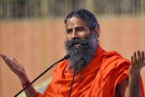 योग गुरु रामदेव. (फोटो: पीटीआई)