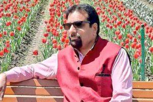 भाजपा पार्षद राकेश पंडित. (फोटो साभार: ट्विटर/@priyasethiBJP)